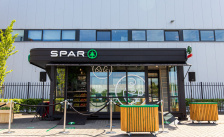 Spar opent mobiele minisuper in container